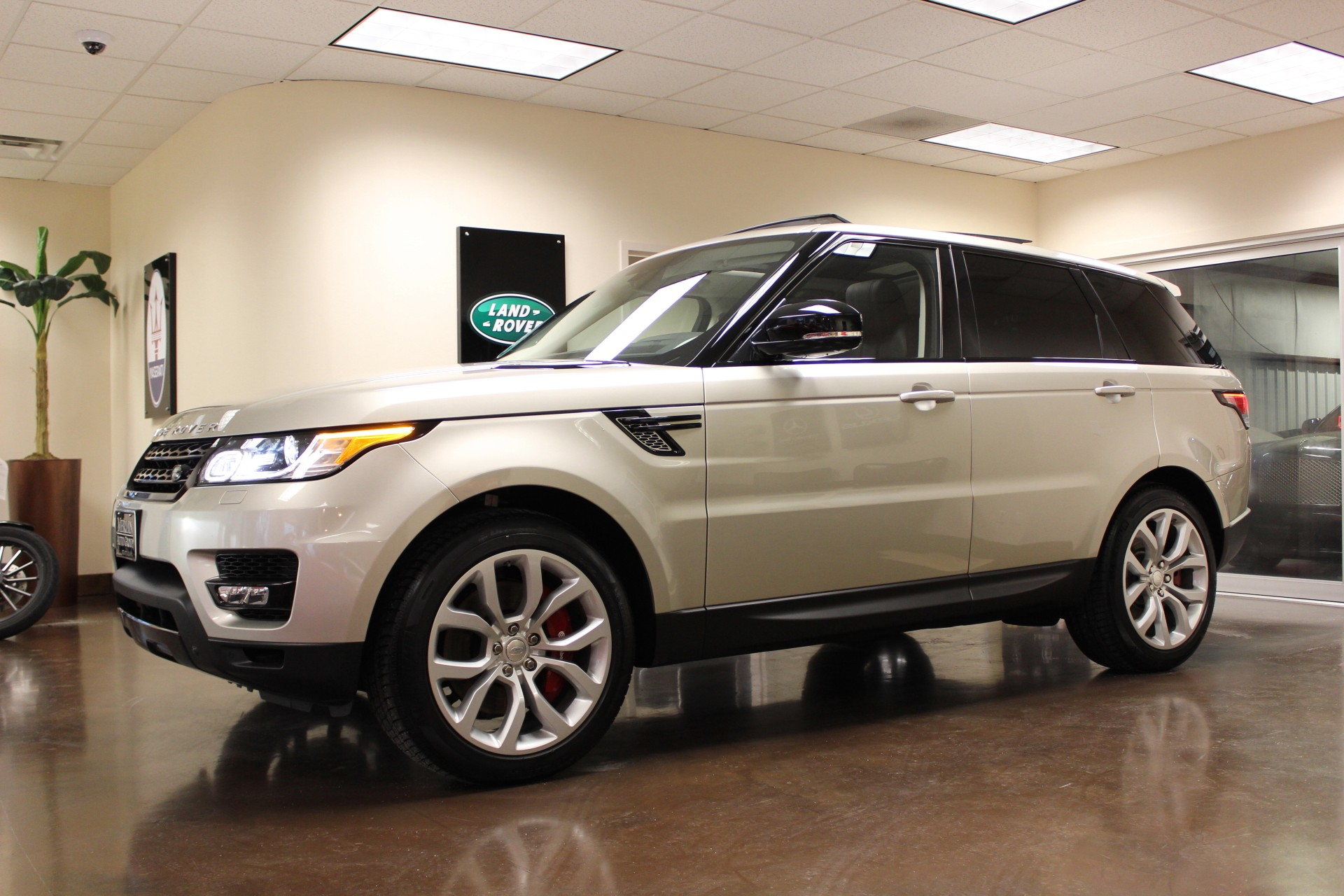 used 2014 land rover range rover sport luxor metallic suv. Black Bedroom Furniture Sets. Home Design Ideas