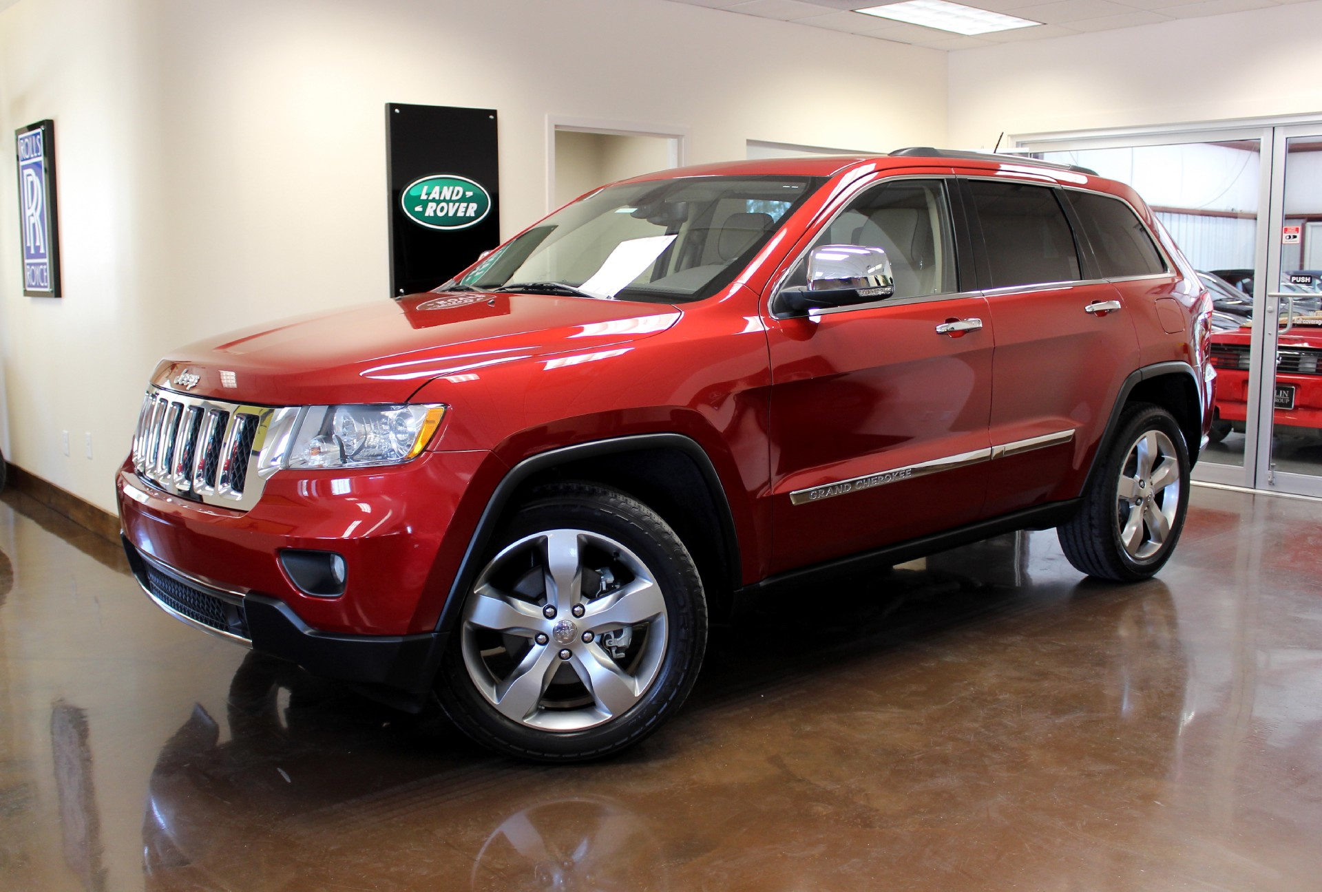 used 2011 jeep grand cherokee stock p2000 ultra luxury car from merlin auto group. Black Bedroom Furniture Sets. Home Design Ideas