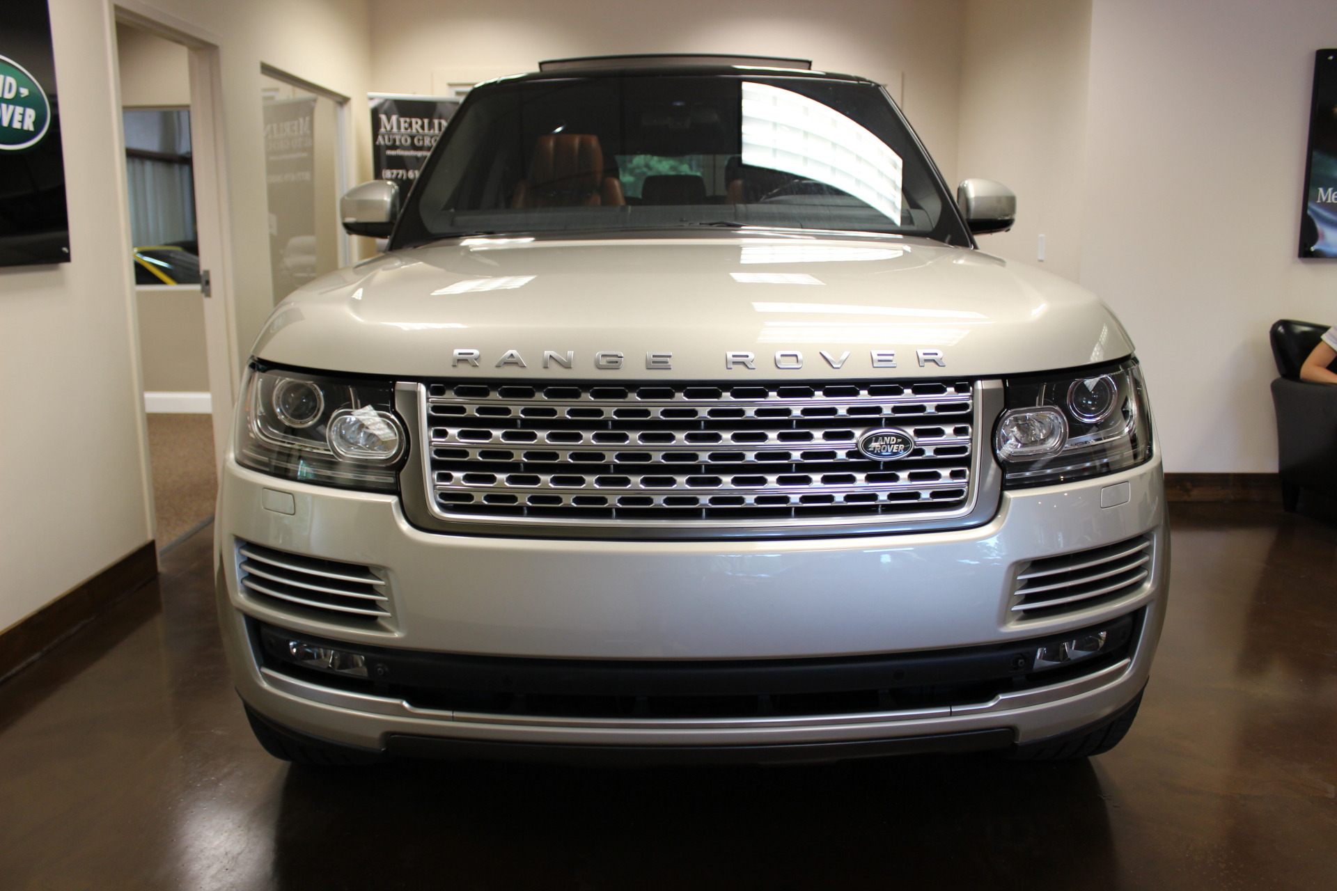 used 2014 land rover range rover luxor metallic suv v8 5l a used land rover range rover for. Black Bedroom Furniture Sets. Home Design Ideas