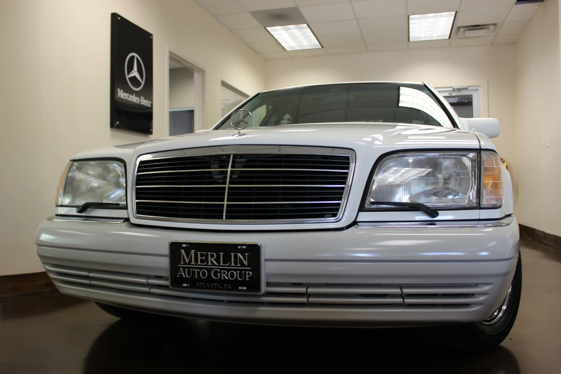Used 1995 mercedes benz s class white sedan v8 a for White s550 mercedes benz for sale