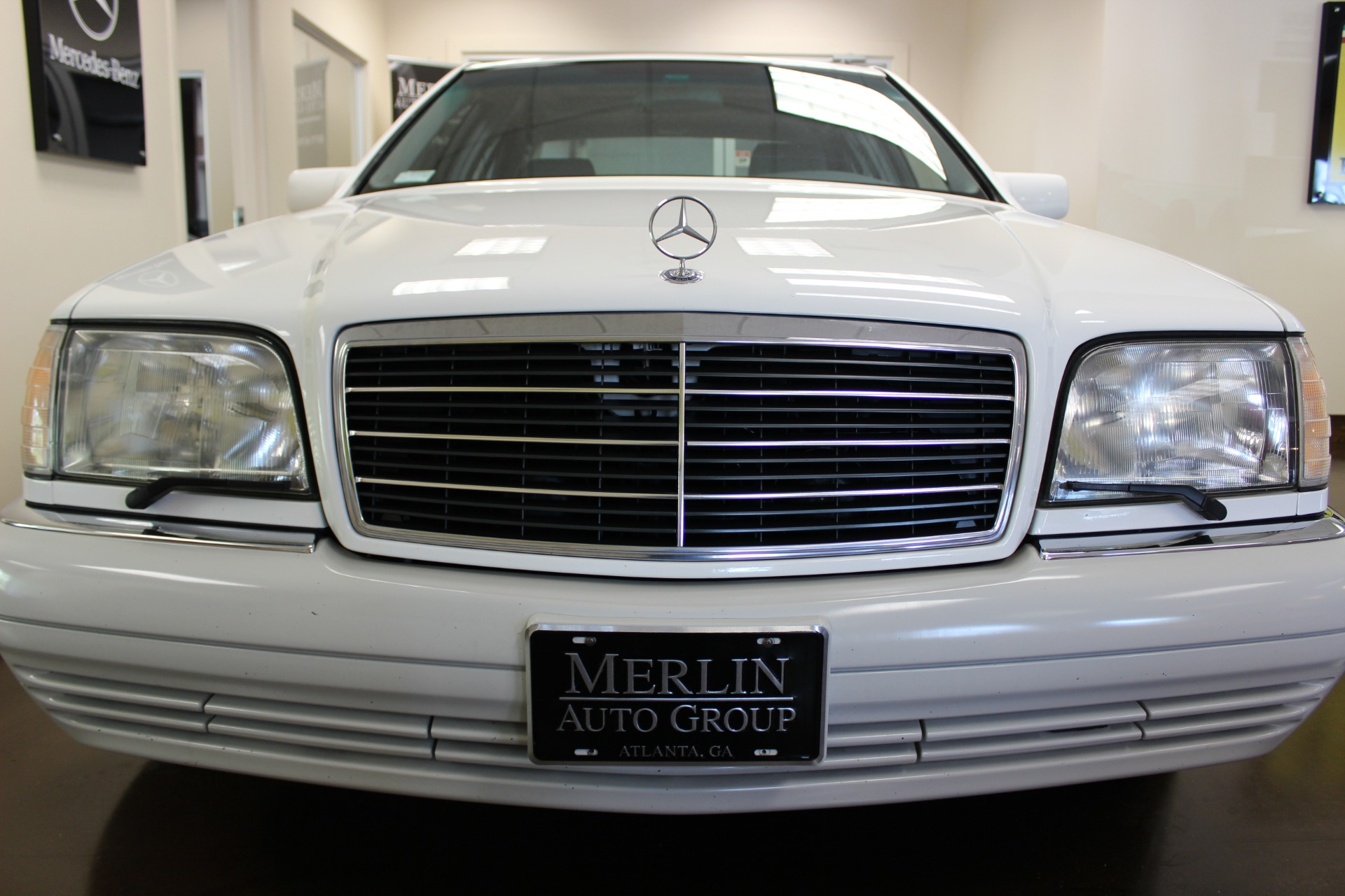 Used 1995 mercedes benz s class white sedan v8 a for Mercedes benz s550 for sale in atlanta ga