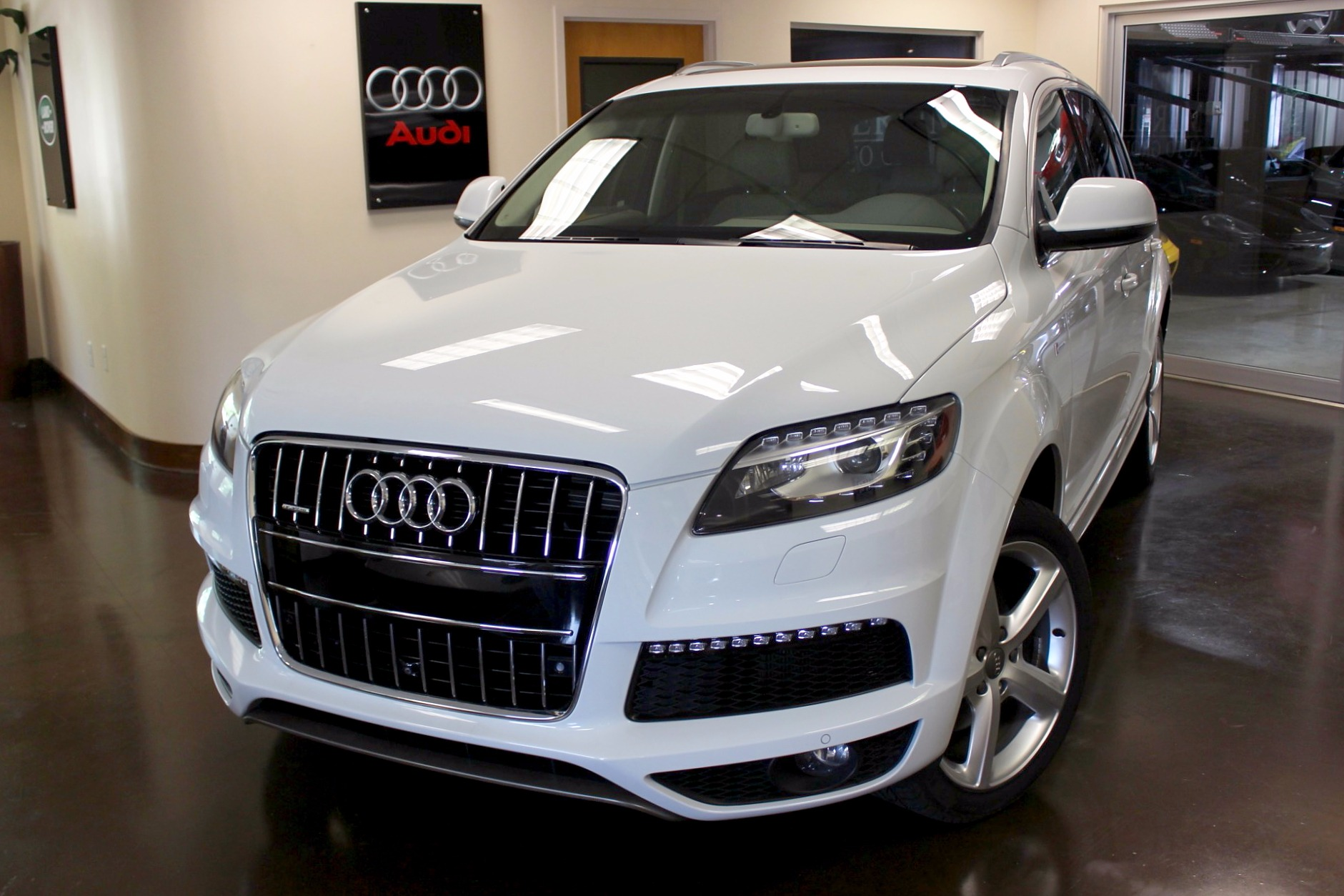 used 2014 audi q7 stock p3640 ultra luxury car from merlin auto group. Black Bedroom Furniture Sets. Home Design Ideas