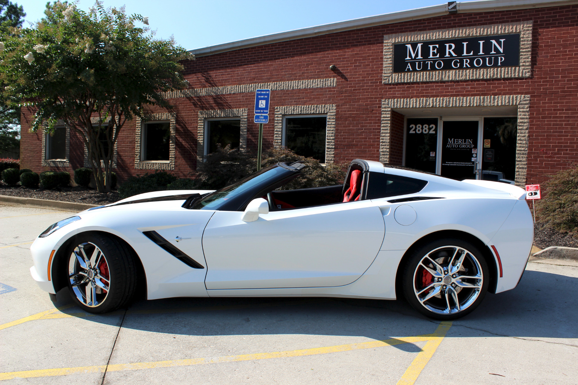 used 2016 chevrolet corvette z51 3lt coupe automatic white coupe 2 dr v8 8 used. Black Bedroom Furniture Sets. Home Design Ideas