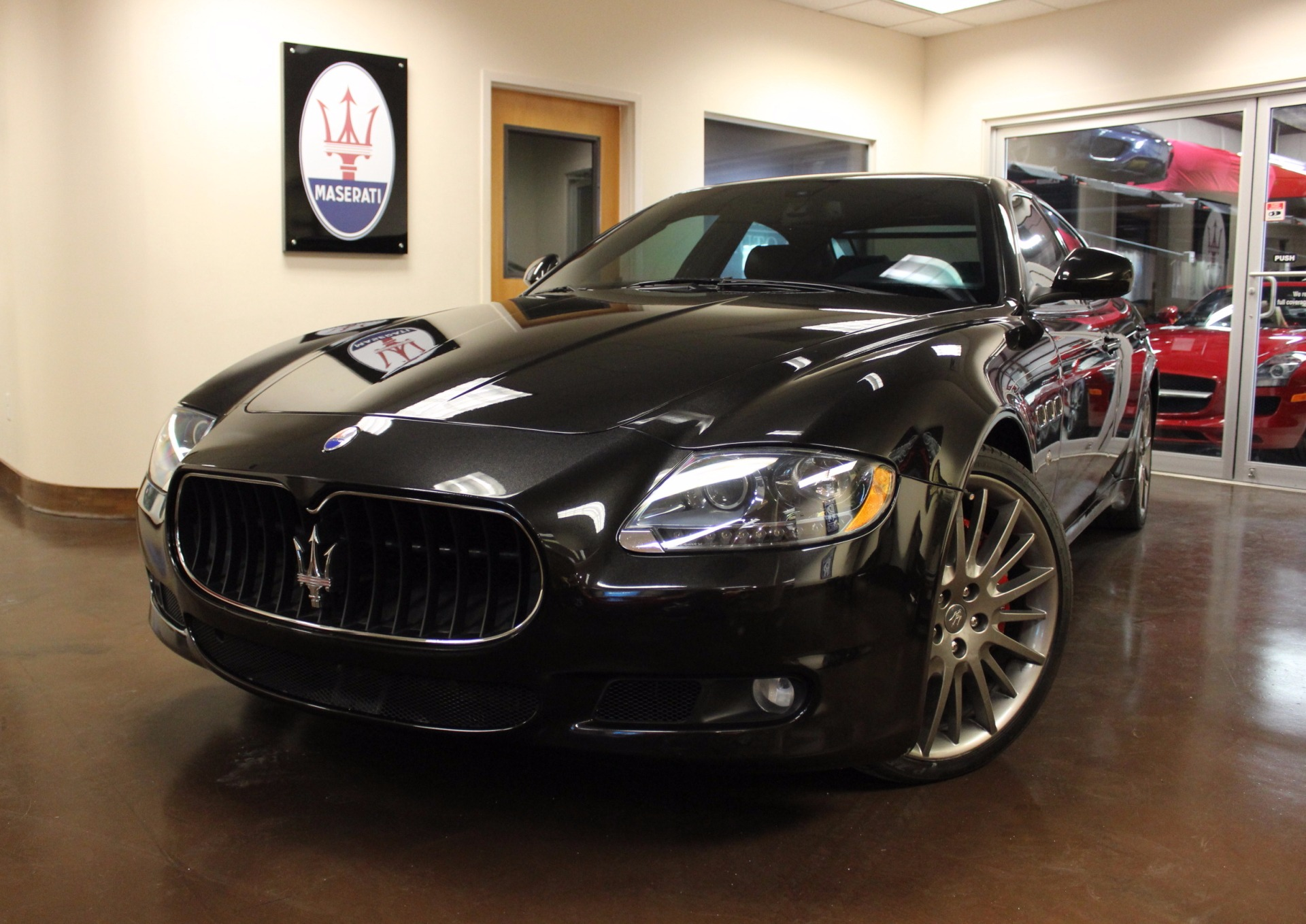 used 2010 maserati quattroporte stock p4183a ultra luxury car from merlin auto group. Black Bedroom Furniture Sets. Home Design Ideas
