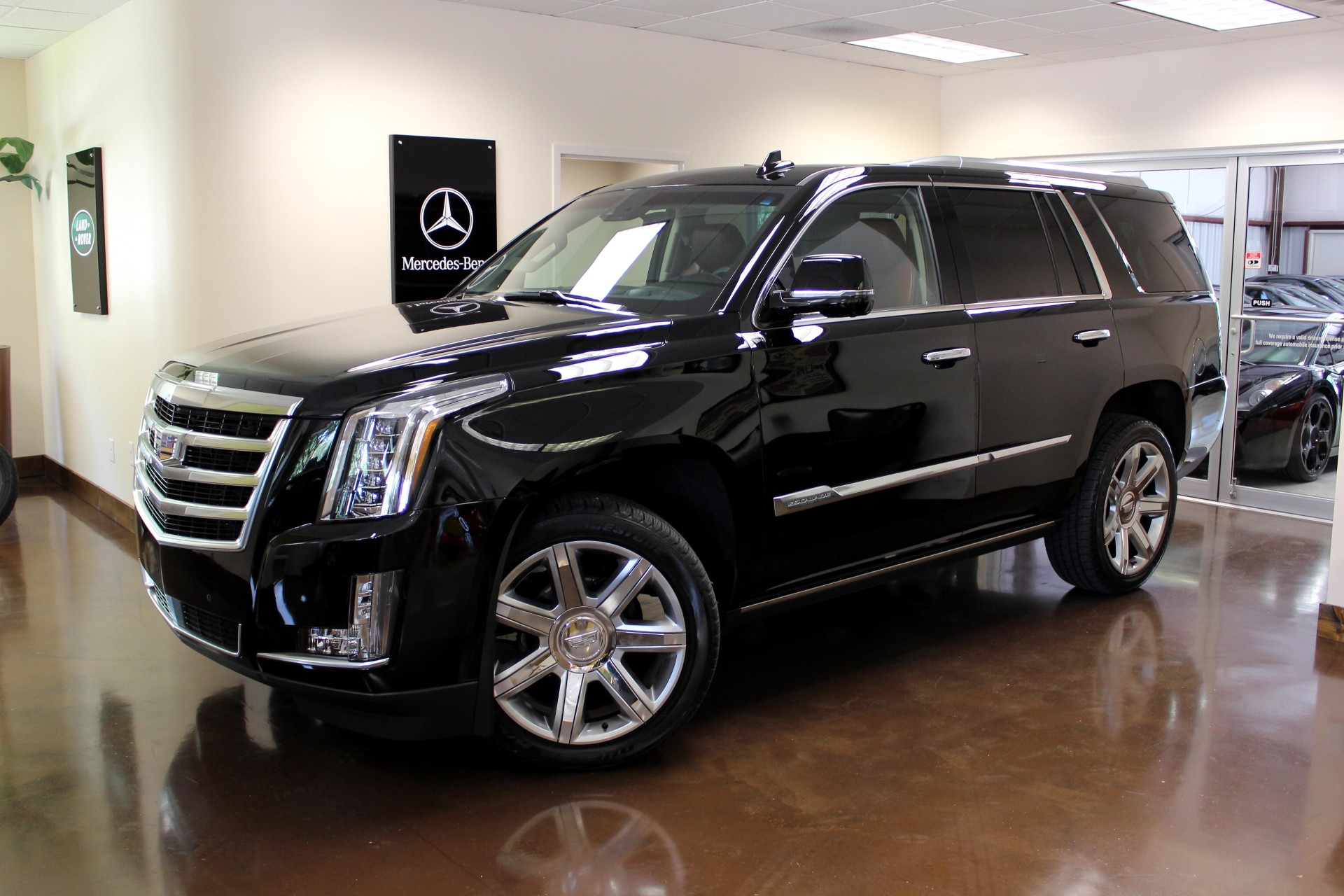 used 2015 cadillac escalade stock p2880 ultra luxury car from merlin auto group. Black Bedroom Furniture Sets. Home Design Ideas